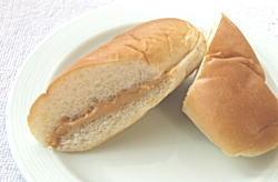 ピーナッツペーストコッペパン